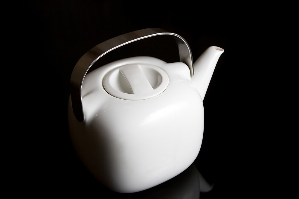 Modern teapot by Michael Findlay