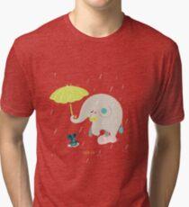 Un éléphant amoureux T-shirt chiné