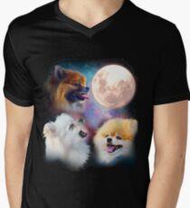 Pomeranian Dogs Howling Moon - Wolves Men's V-Neck T-Shirt