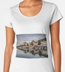 Sunset at colourful Christianshavn Women's Premium T-Shirt