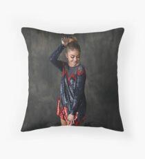 Sarah Hyland Throw Pillow