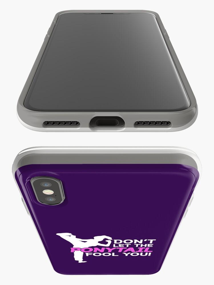 Alternative Ansicht von Karate Girls Lassen Sie sich nicht vom Pferdeschwanz täuschen iPhone-Hülle & Cover