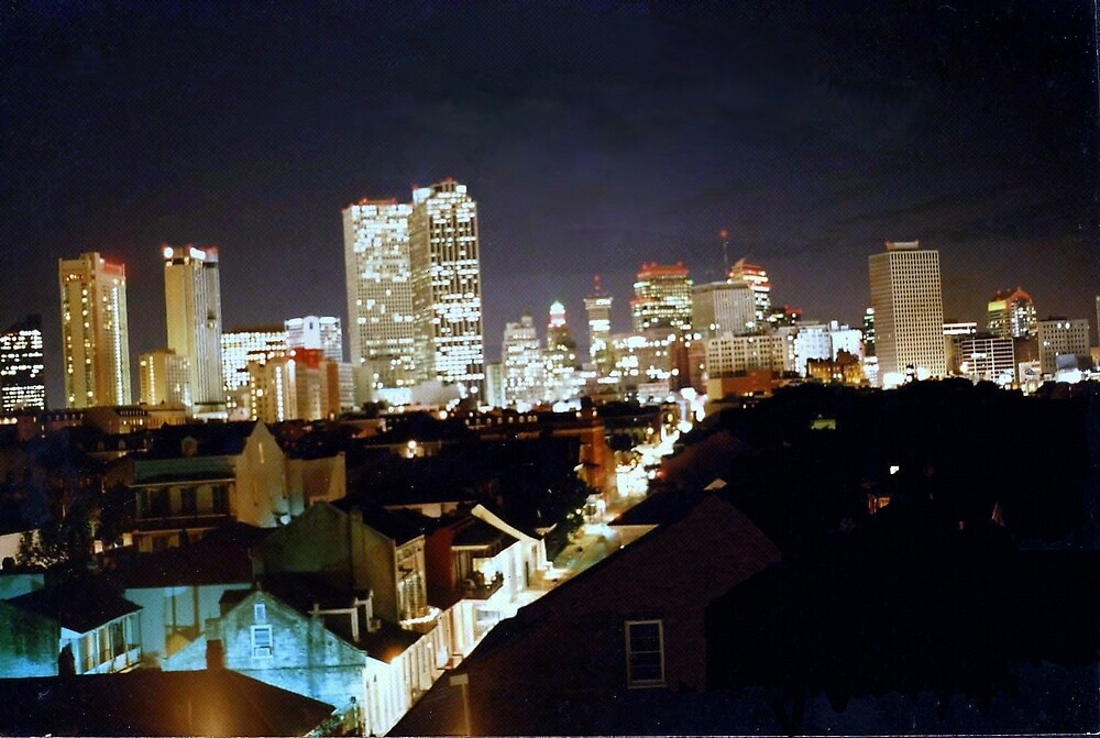 Sky line of New Orleans by eric186