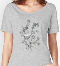 Bienen und Kamille auf Karamell Hintergrund Loose Fit T-Shirt