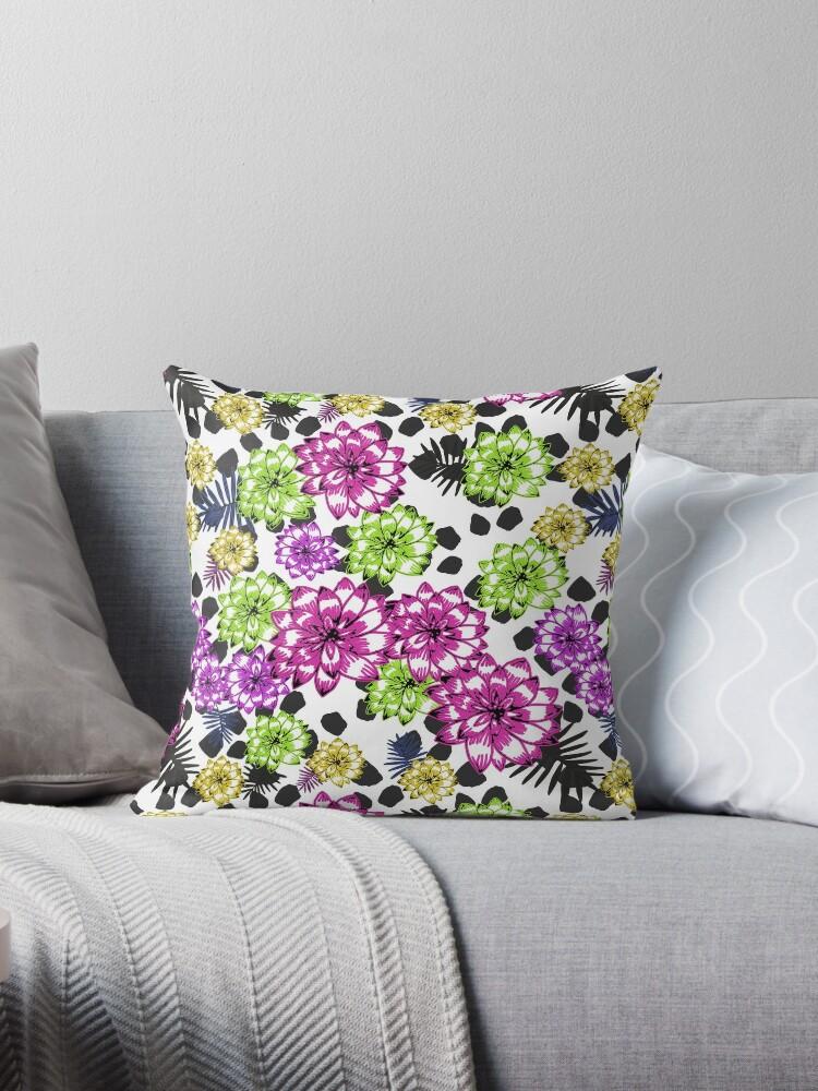 Bright retro floral pattern by Anastasia Buchinskaya