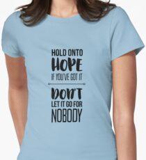 Camiseta entallada para mujer Paramore: aferrate a la esperanza si la tienes
