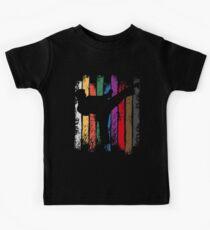 Camiseta para niños Silueta de colores de cinturón de Karate
