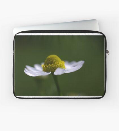 delicate daisy Laptop Sleeve