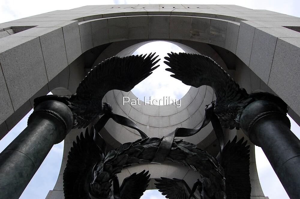 WWII Memorial, Washington DC, USA by Pat Herlihy