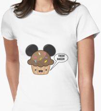 Frisches gebackenes Muffin Tailliertes T-Shirt für Frauen