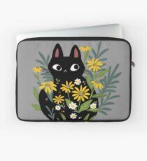 Schwarze Katze mit Blumen Laptoptasche