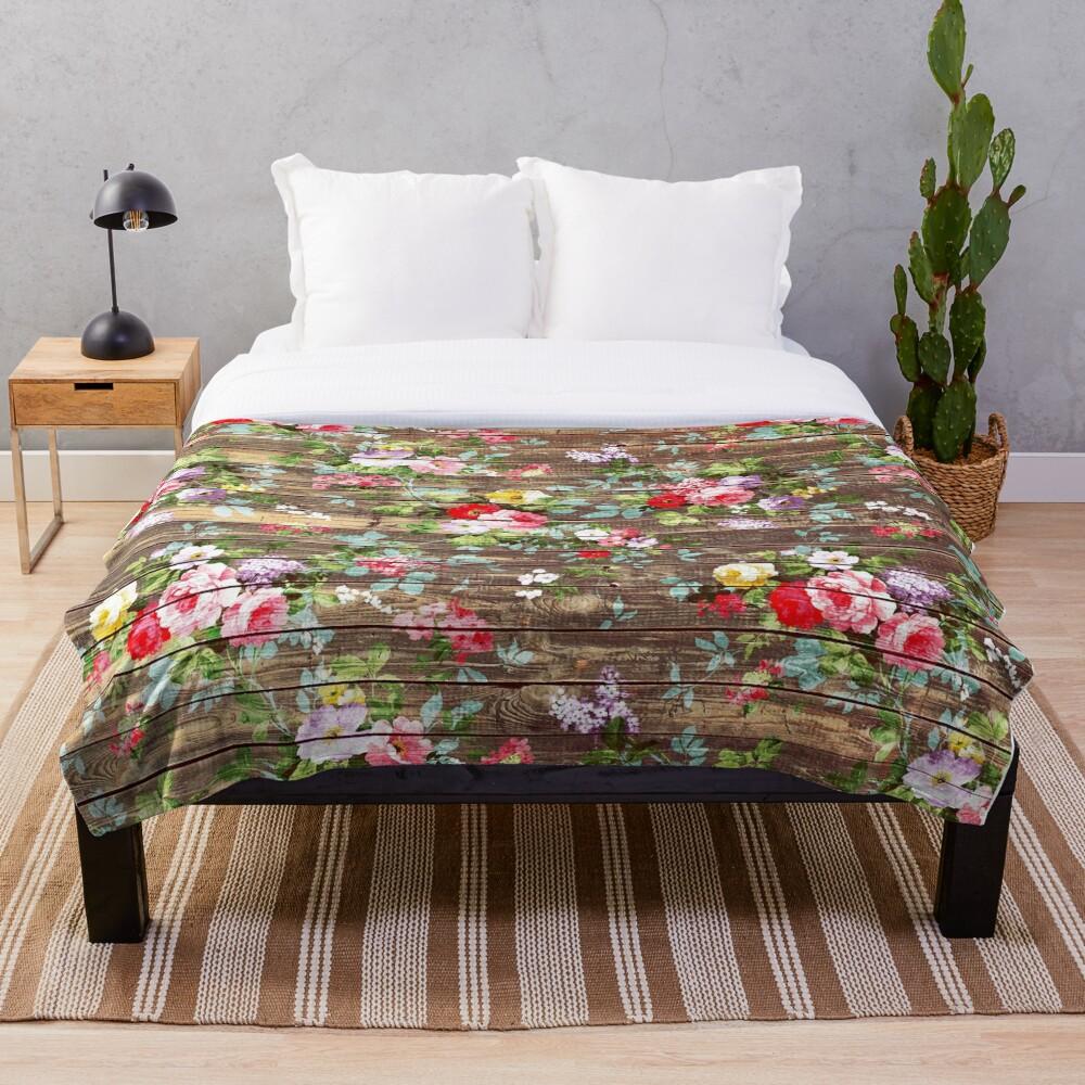 Blumen-rustikales braunes Holz der eleganten rosa Rosen Fleecedecke