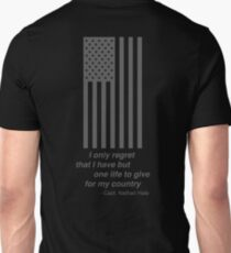 Gray American Flag, I only regret that I have but one life to give for my country Nathan Hale Unisex T-Shirt