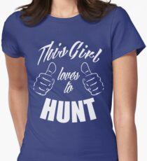 THIS GIRL LOVE TO HUNT T-Shirt