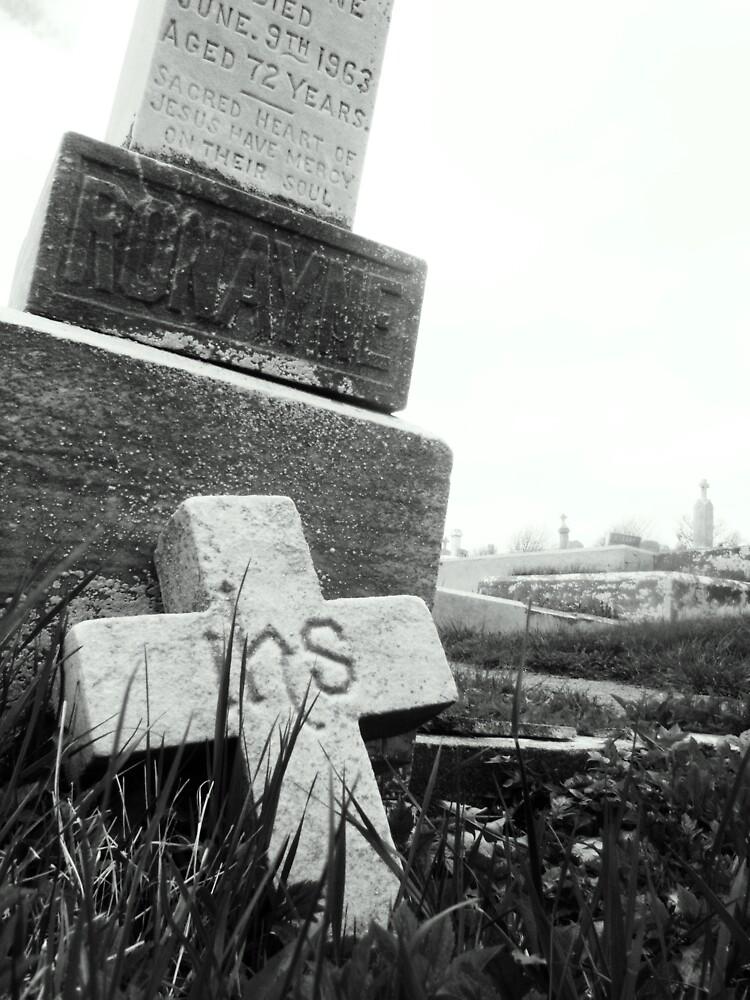 Broken headstone by Stephanie  Williams