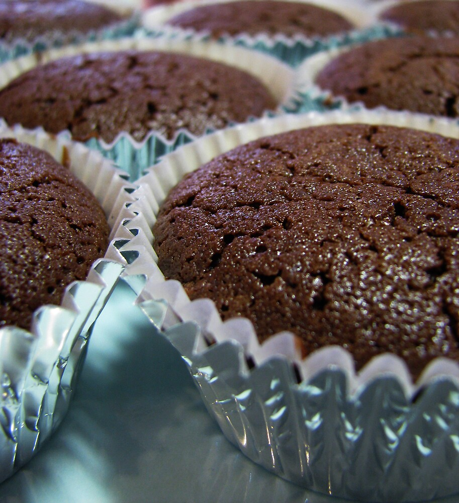 Chocolate Mud Cupcake, Un-frosted by Lunchbox