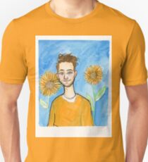 Yellow Dan in the garden T-Shirt