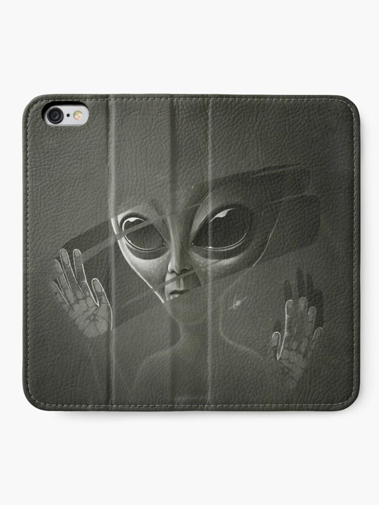 Alternate view of Alien iPhone Wallet