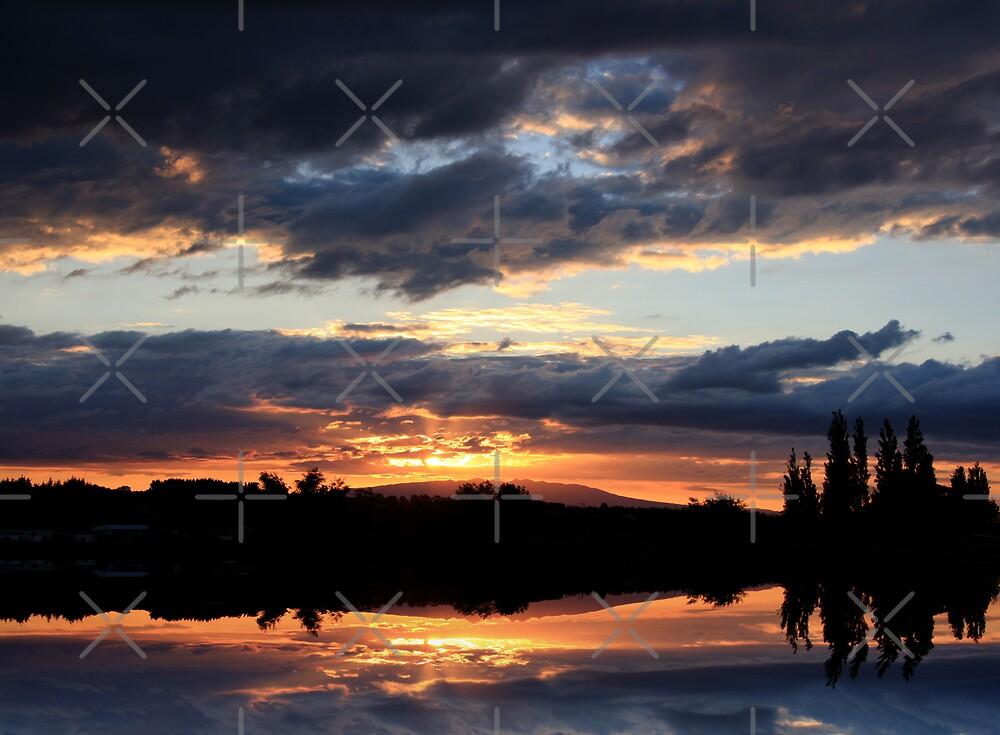 Illuminated by Varinia   - Globalphotos