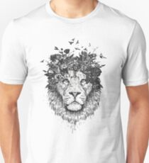 Floral lion (b&w) T-Shirt
