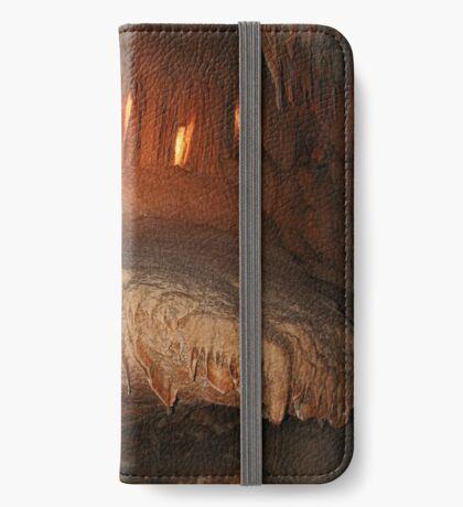 Wombyan Höhle iPhone Flip-Case