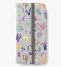 Vinilo o funda para iPhone Dinosaur Desert - melocotón, menta y azul marino - patrón divertido de Cecca Designs