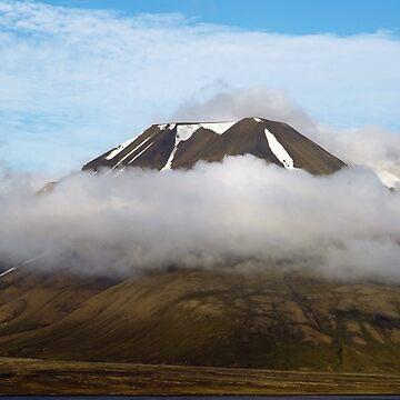 Longyearbyen by mrsaraneae