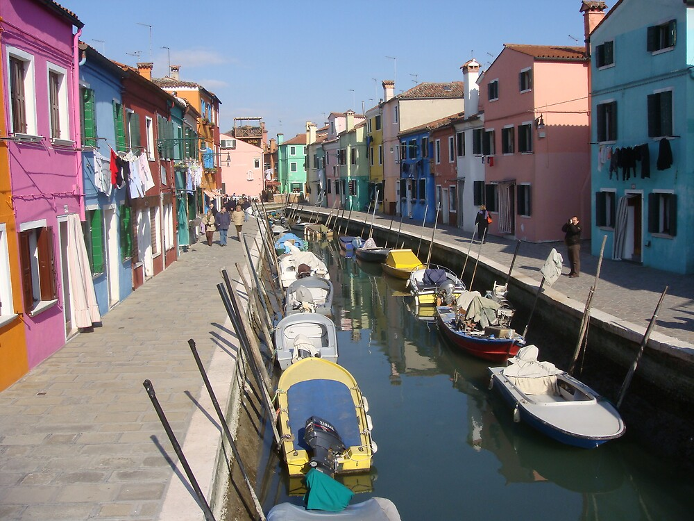 Streets of Burano by Macaco