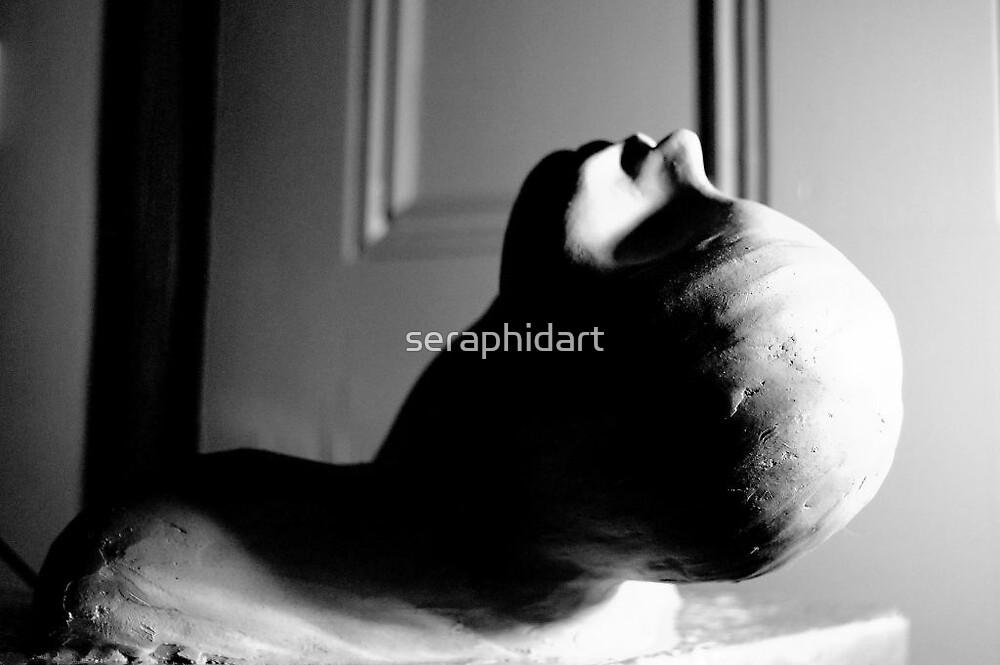 reclining sculpture by seraphidart