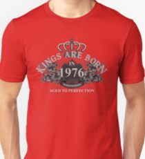 Kings Are Born In 1976 Year Of The Dragon Vintage Style - Birthday Gifts For Men T-Shirt
