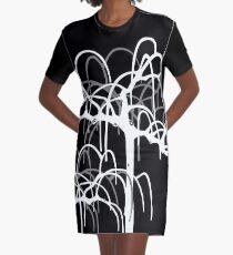 Morera en invierno Graphic T-Shirt Dress