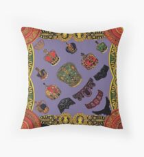 crown the king Throw Pillow
