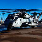 Ein CH-53E Super Hengst sitzt auf der Fluglinie. von StocktrekImages