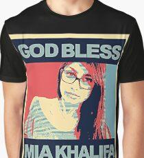 a beauty mia Graphic T-Shirt