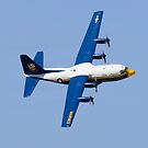 Eine C-130 Hercules des Flugdemonstrationsgeschwaders der Blue Angels. von StocktrekImages
