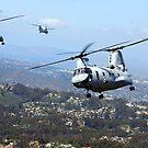 CH-46E Sea Knight Hubschrauber fliegen über San Diego, Kalifornien. von StocktrekImages