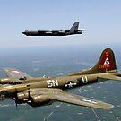 Eine B-17G Flying Fortress nimmt an einem historischen Flug mit einer B-52H Stratofortress teil. von StocktrekImages