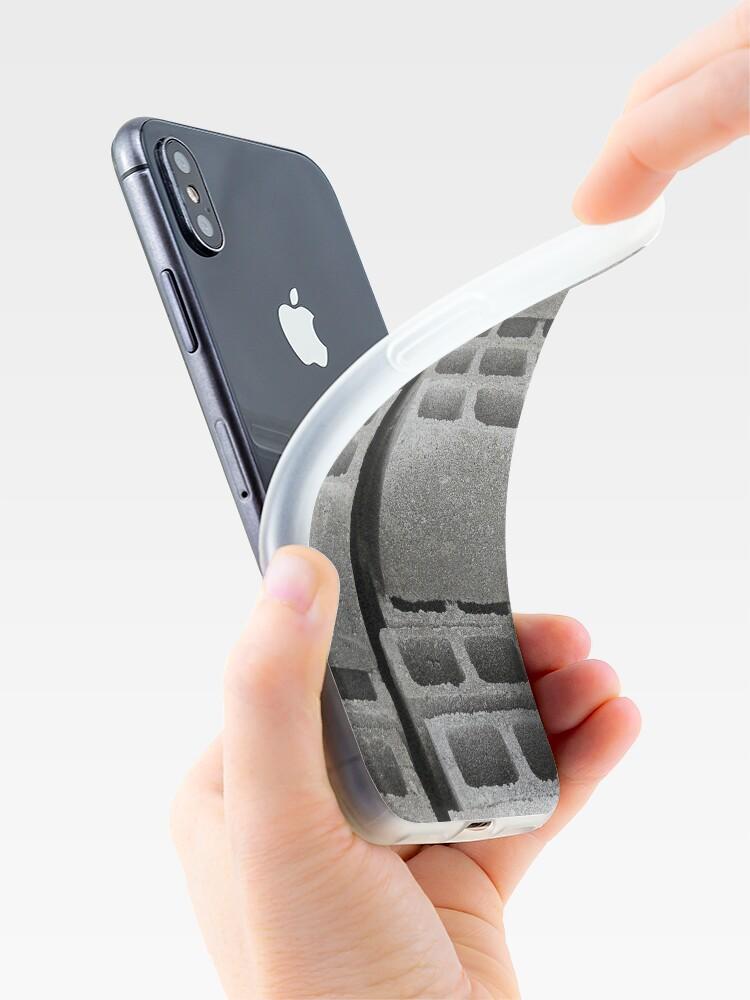 Alternative Ansicht von Betonblöcke auf einer Baustelle iPhone-Hülle & Cover