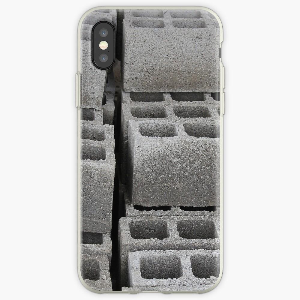Betonblöcke auf einer Baustelle iPhone-Hülle & Cover