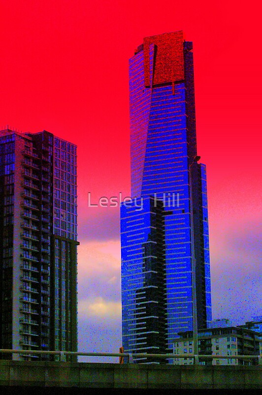 Melbourne Eureka Tower by Lesley  Hill