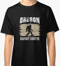 Oregon Big Foot Hunter T-Shirt Funny Sasquatch  Classic T-Shirt