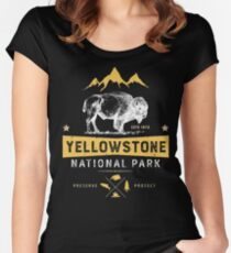 Yellowstone National Park Bison Buffalo T shirt - Vintage Women's Fitted Scoop T-Shirt