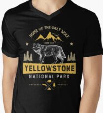 Yellowstone National Park Grey Wolf T shirt - Vintage T-Shirt