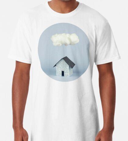 Eine Wolke über dem Haus Longshirt