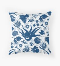 Cephalopods: Grunge Throw Pillow