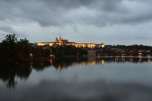 the castle over the river by iosu