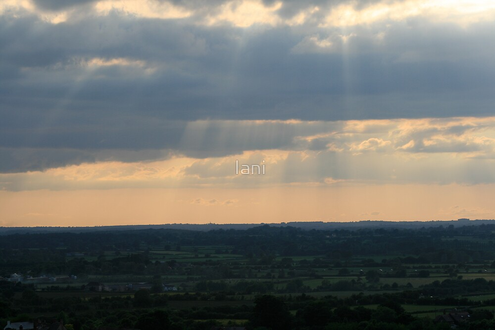 Rays coming down by Iani