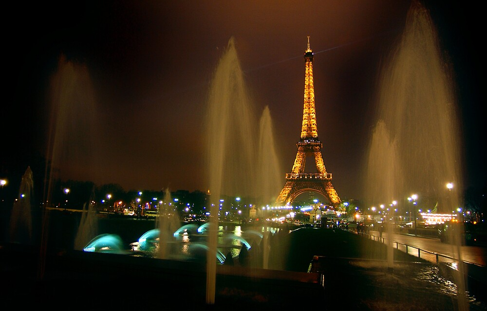 Eiffel Tower and fountains, Paris by chord0