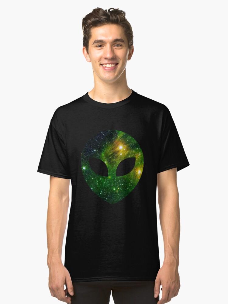 Alien galaxia verde  Classic T-Shirt Front