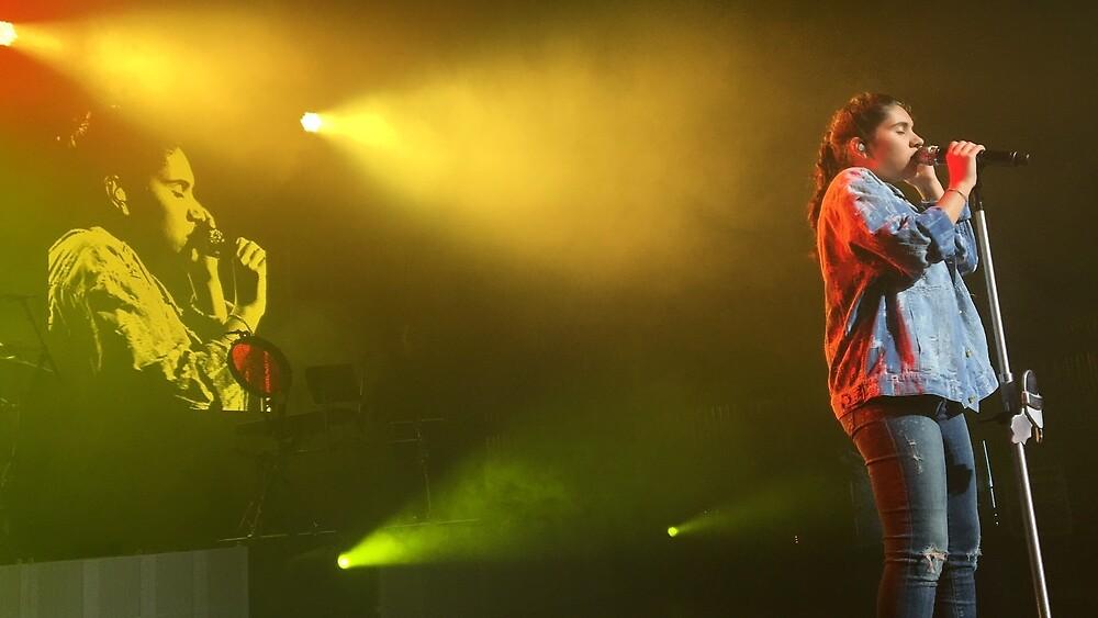 Alessia Cara live by meenamorar